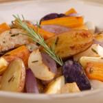 Légumes racines rôtis à l'ail et au romarin