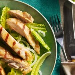 Salade de poulet à la crème, à l'avocat et basilic