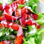 Salade d'été aux fraises du Québec