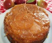 Gâteau renversé aux pommes confites et à l'érable