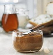 Maple and almond spread